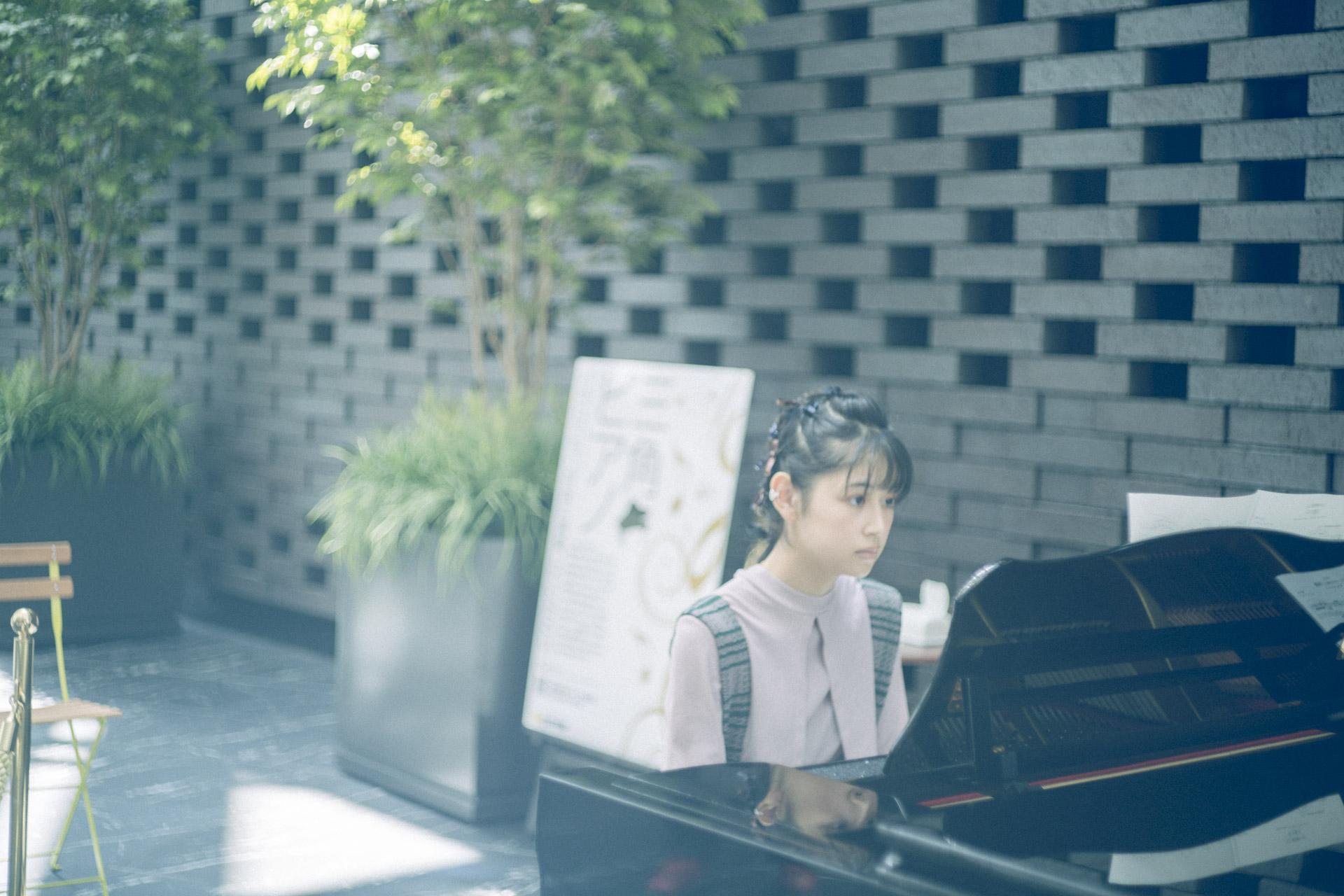 2.誰でもピアノ三角広場